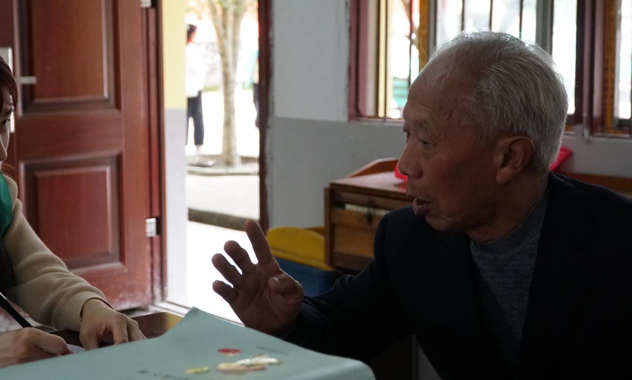 【人物专访】辛勤耕耘四十载,初心不改育芬芳—专访退休教师王定样
